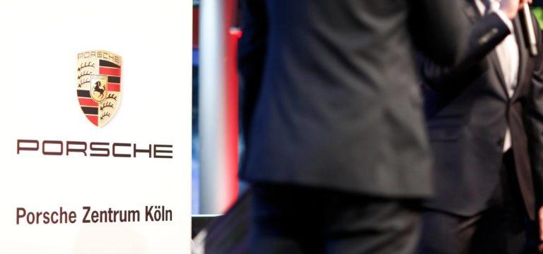 Die haberich cycling crew im Porsche Zentrum Köln: Premiere Porsche Cayenne